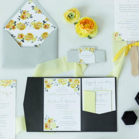 What is the average cost of Wedding Invitations?