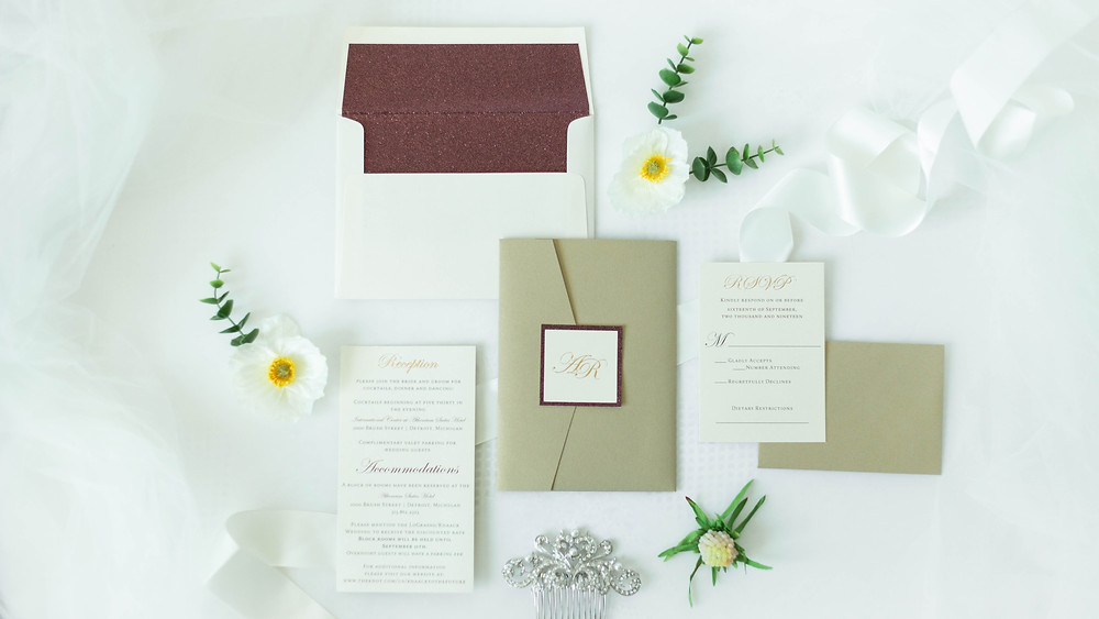 Gold invitation pocket with glitter envelope liner