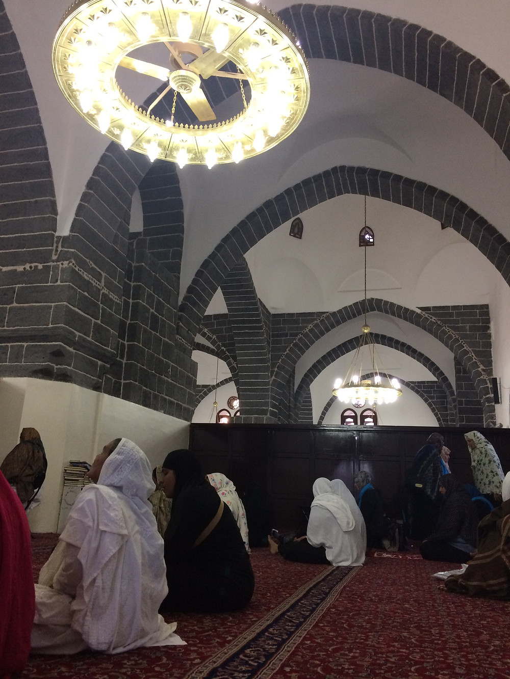 The simple interior of Ghamama Masjid.