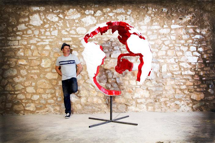 globe fauvet atelier.jpg