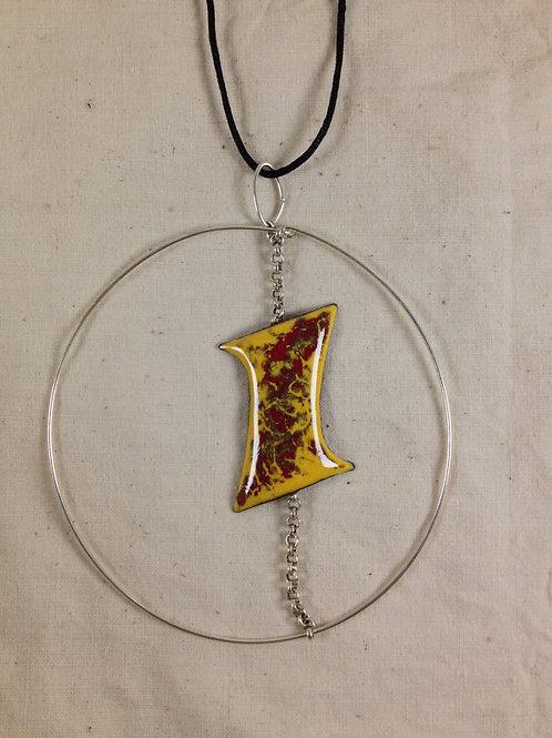 pendentif grand cercle métal forme design rouge jaune-chaîne-artisanat français