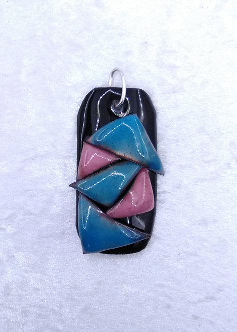 pendentif rectangle et triangles -émaux-rose-bleu-noir-artisanat français