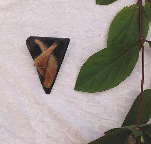 Broche en émaux sur cuivre-triangle et relief- création artisanale