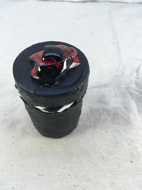 mini boîte à bijoux avec pièces émaillées-noir-rouge-Christine M. artisanat français