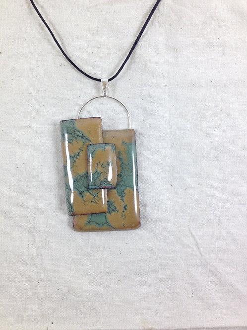 pendentif formes rectangulaires marron vert-anneau métal métal-émaux-artisanat f