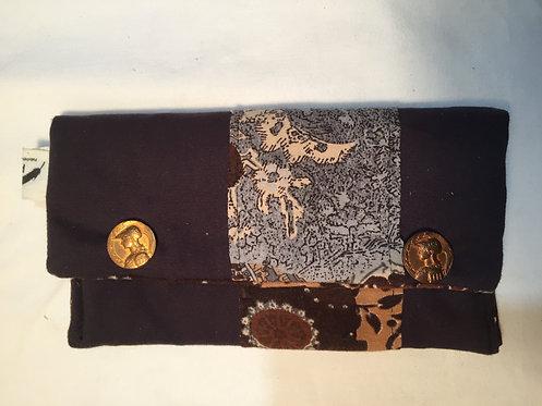 trousse noire avec boutons vintage dorés-artisanat français-vue fermée