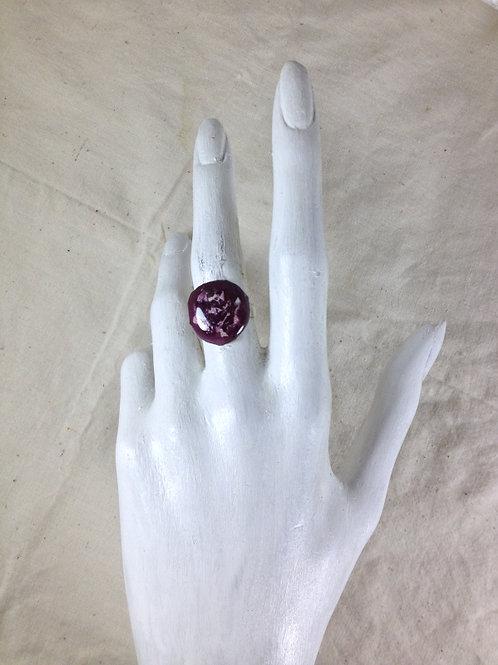 bague ajustable-ronde-violet rose-émaux-artisanat français-présentation