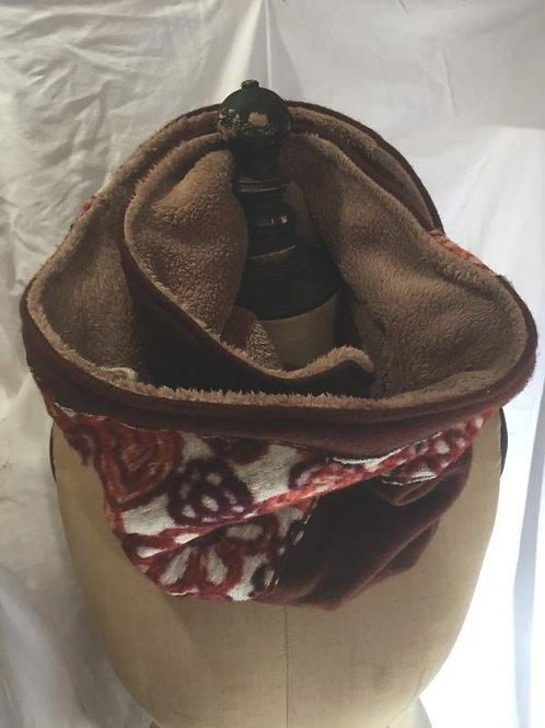 Écharpe tour de cou marron foncé et motifs fleurs-confection artisanale