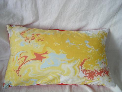 Coussin rectangulaire  jaune rouge blanc bleu-déhoussable-artisanat français