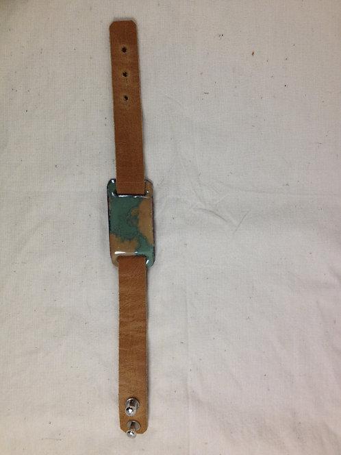 Bracelet en cuir marron clair et plaque en  émaux sur cuivre- ARTISANAT FRANÇAIS-vue entière