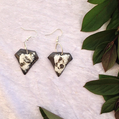 Boucles d'oreilles forme diamant gris blanc-émaux-artisanat français
