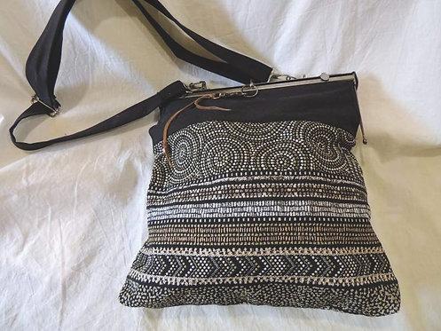 sac à main en tissu - fermoir métal-création artisanale
