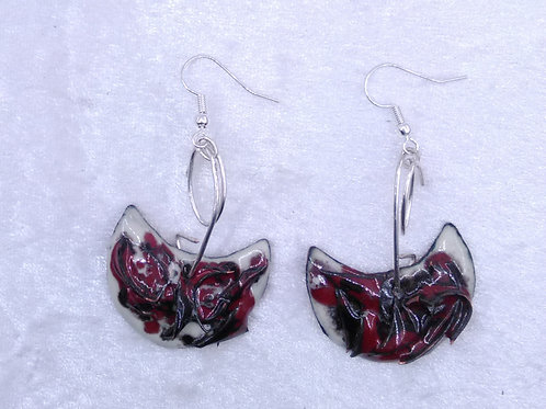 Boucles d'oreilles en demi-lune en relief- émaux sur cuivre