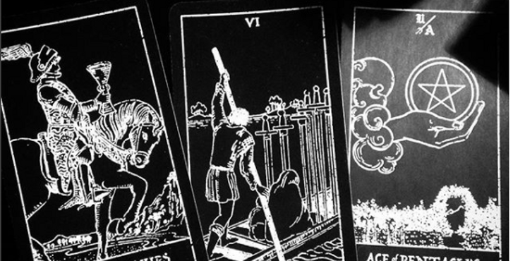 What is next? 'The Cliff's Edge' tarot reading