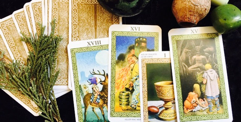 'How is my spell manifesting?' tarot + oracle reading