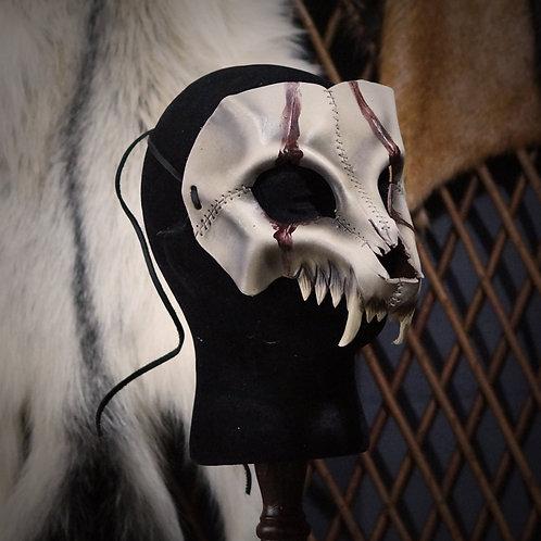 =Crâne de loup, lignes de sang =