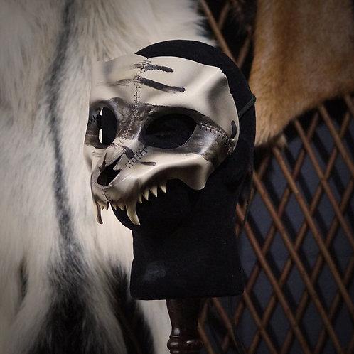 =Crâne de loup, bande noire=