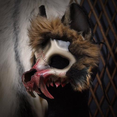 =Crâne de hyène fluffy ensanglantée=