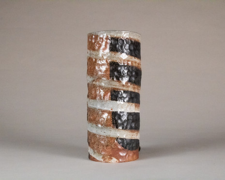 Vase (with void)