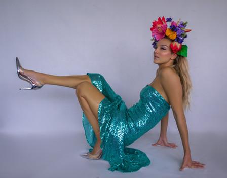 Glam flower