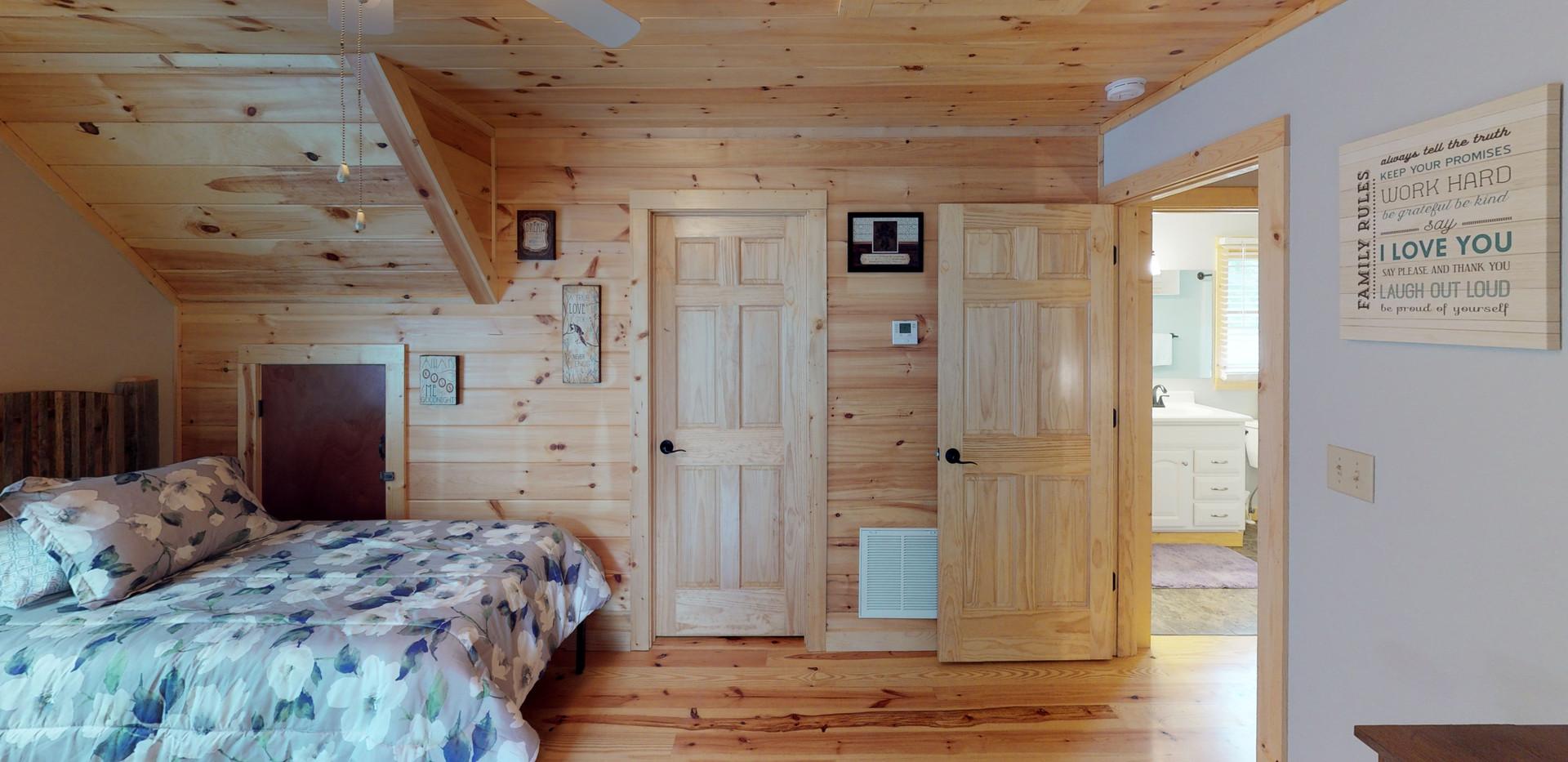Valley-Cabin-Bedroom