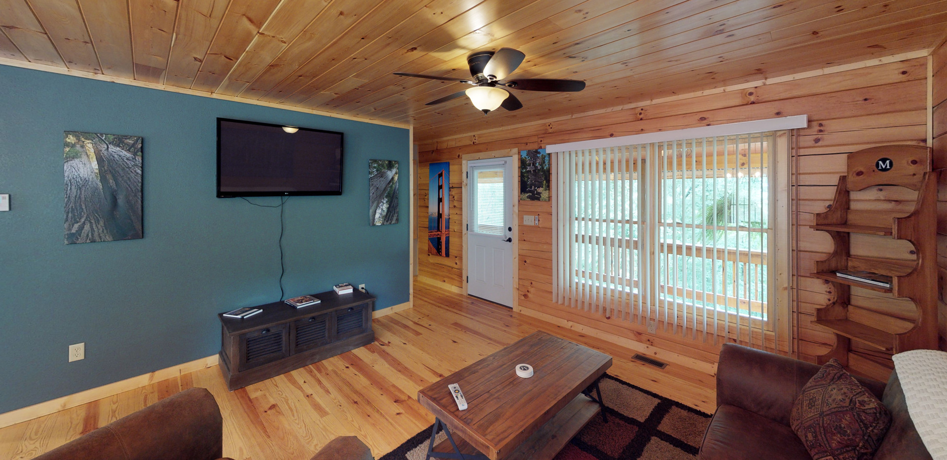 Valley-Cabin-Living