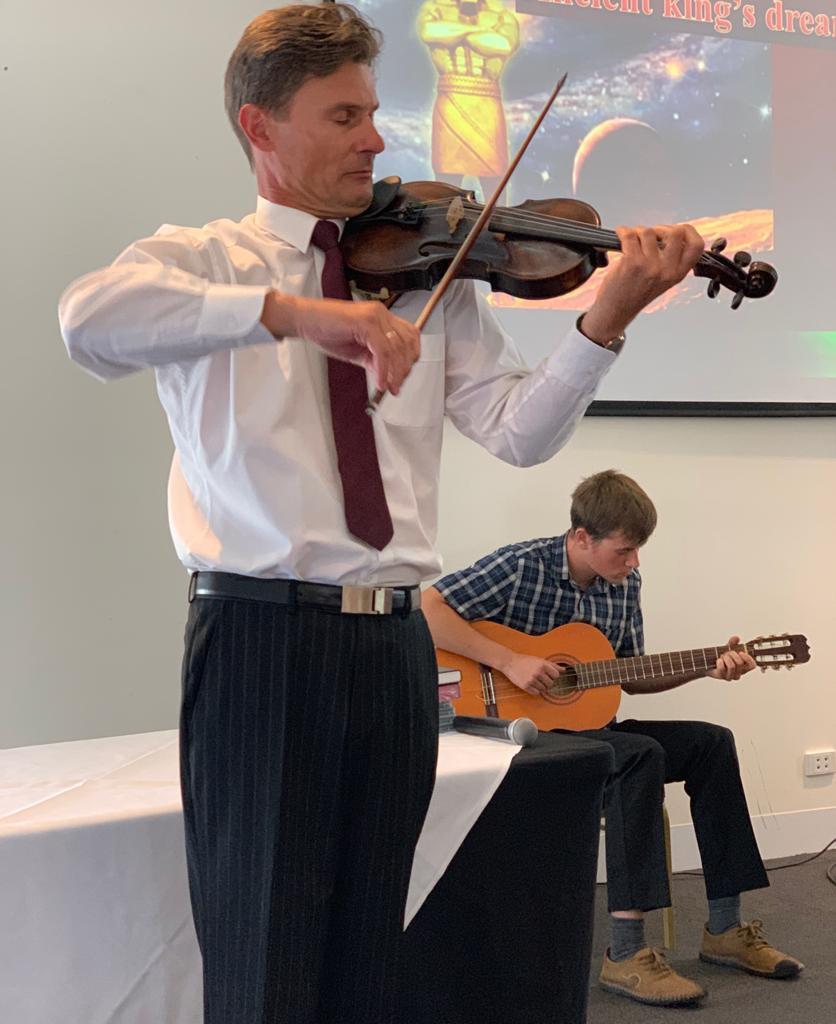 Beautiful Musical Item at the program Amazing Discovries Pakenham