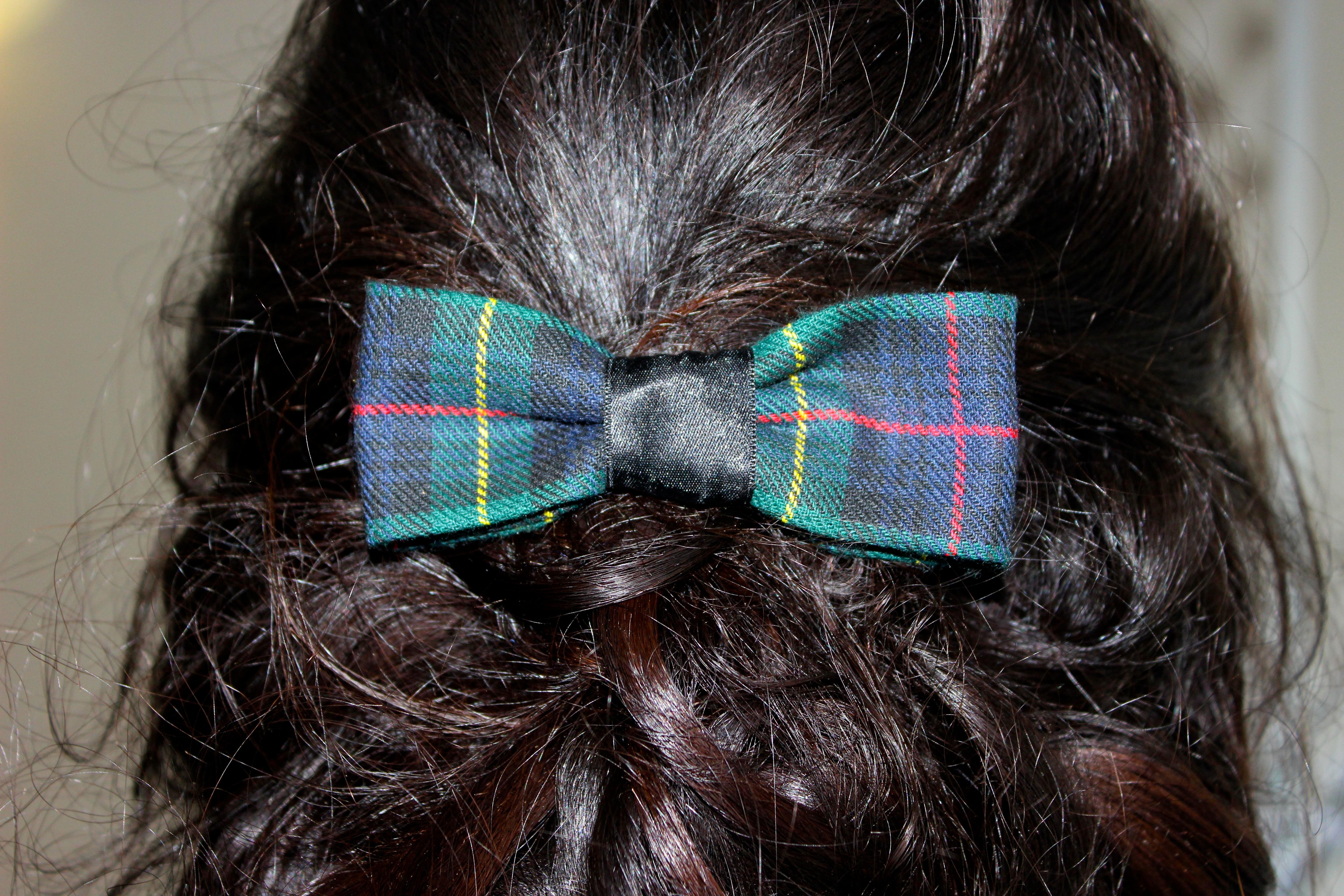 Pince à cheveux noeud à carreaux