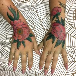 Peony Hands