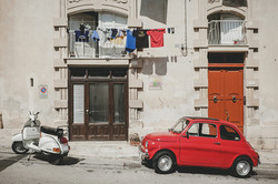 old-fiat-500-and-vespa