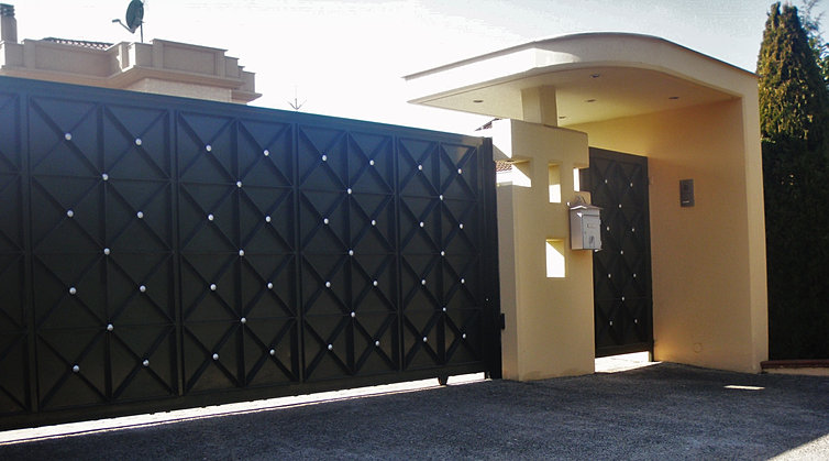 Sliding gate designs for house - House and home design