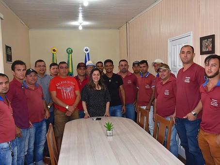 Prefeita Fernanda Hassem homenageia taxistas de Brasiléia e anuncia melhorias para a categoria