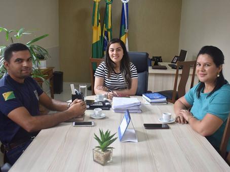Prefeita recebe nova coordenação do Instituto Sócio Educativo do Alto Acre para firmar parcerias