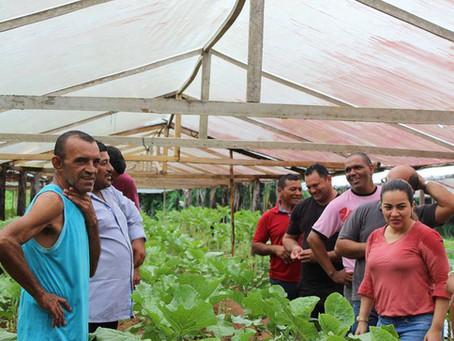 Prefeita visita comunidade beneficiada com Plano Agrícola Municipal de Brasileia
