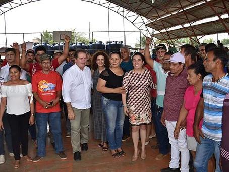 Tião Viana e Prefeita Fernanda Hassem entregam mais de R$ 1,2 milhões em materiais para agricultores