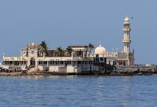 Haji ali Mumbai.jpg