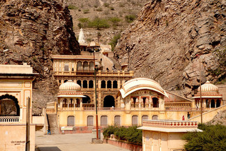 Galta-Ji-Temple-Jaipur.jpg