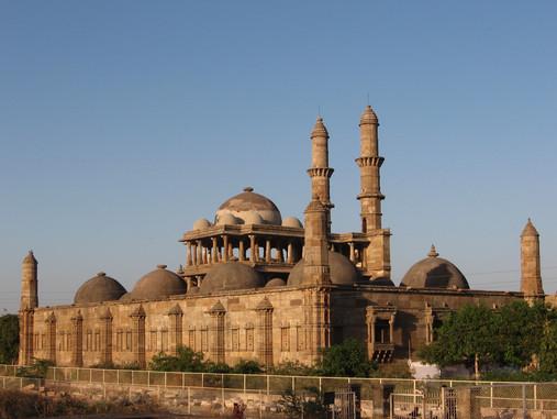 Champaner-Pavagadh Archaeological Park.j