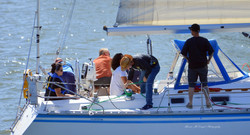 Veterans' Sail to Recovery - Veteran crew pitches in