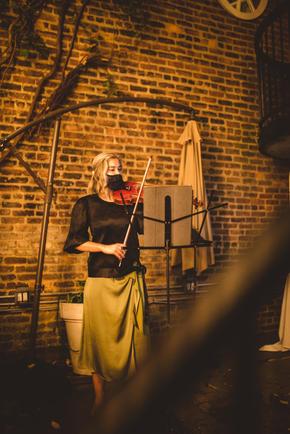 Julia Danitz performs Telemann