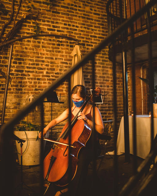 Clare Monfredo performs Caroline Shaw's In manus tuas
