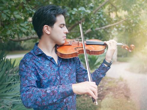 Jeremías Sergiani Velázquez violin.HEIC