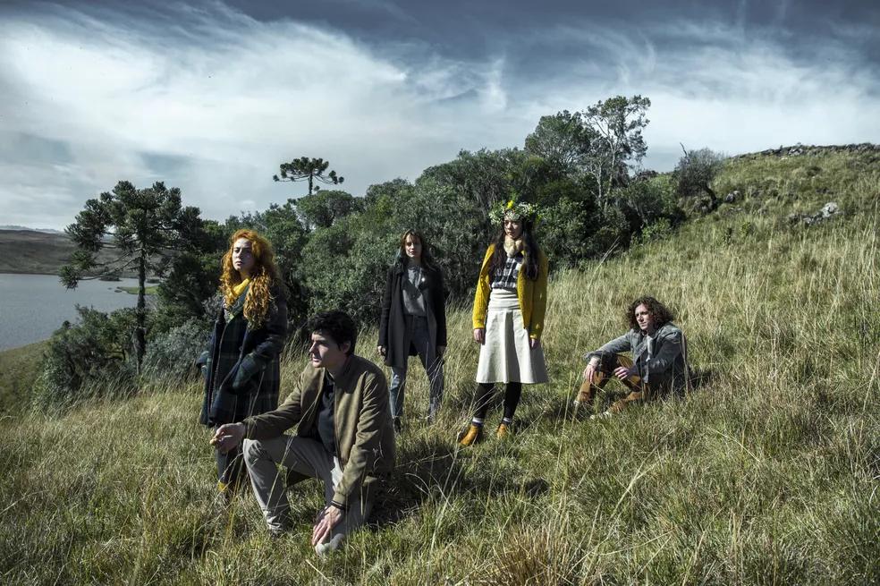 """Parte do elenco jovem de """"Desalma"""" / Foto: Divulgação TV Globo"""