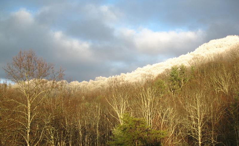 dark-sky-and-snow-on-mountain