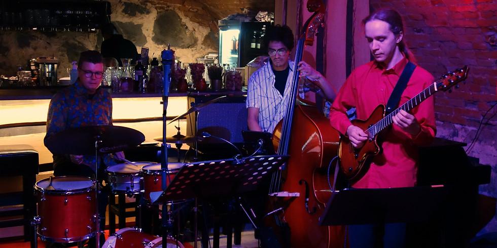 Tomi Kämäräinen Trio