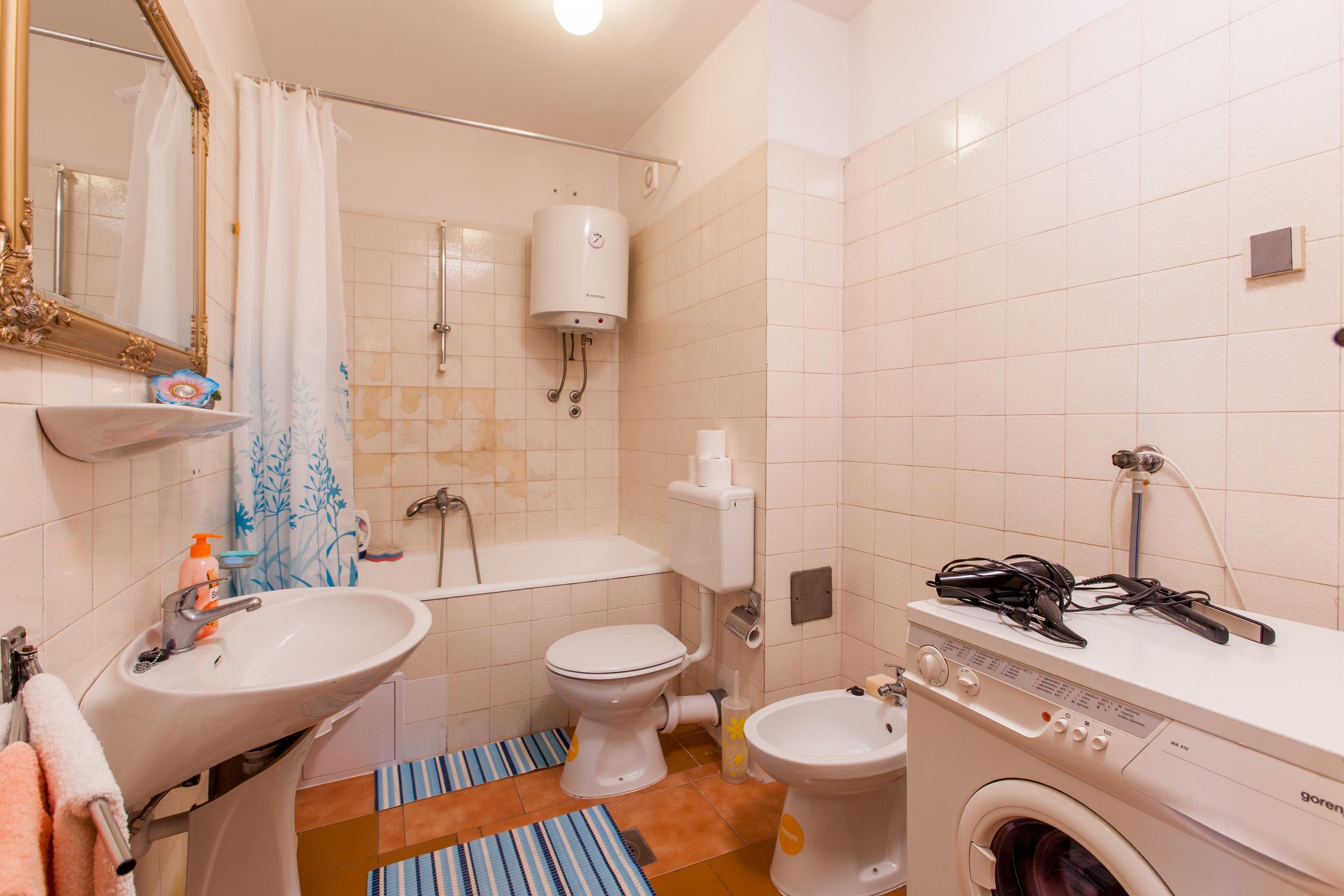 Apartment Split Budget Croatia (5).jpg