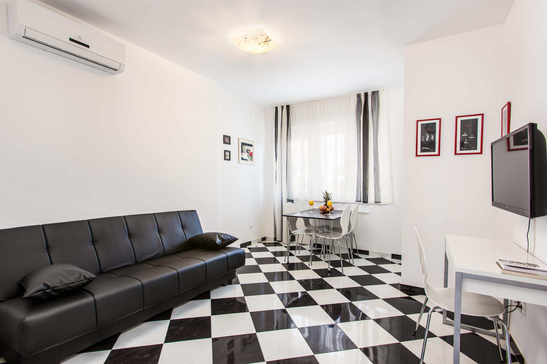 Apartment Split Croatia (15).jpg