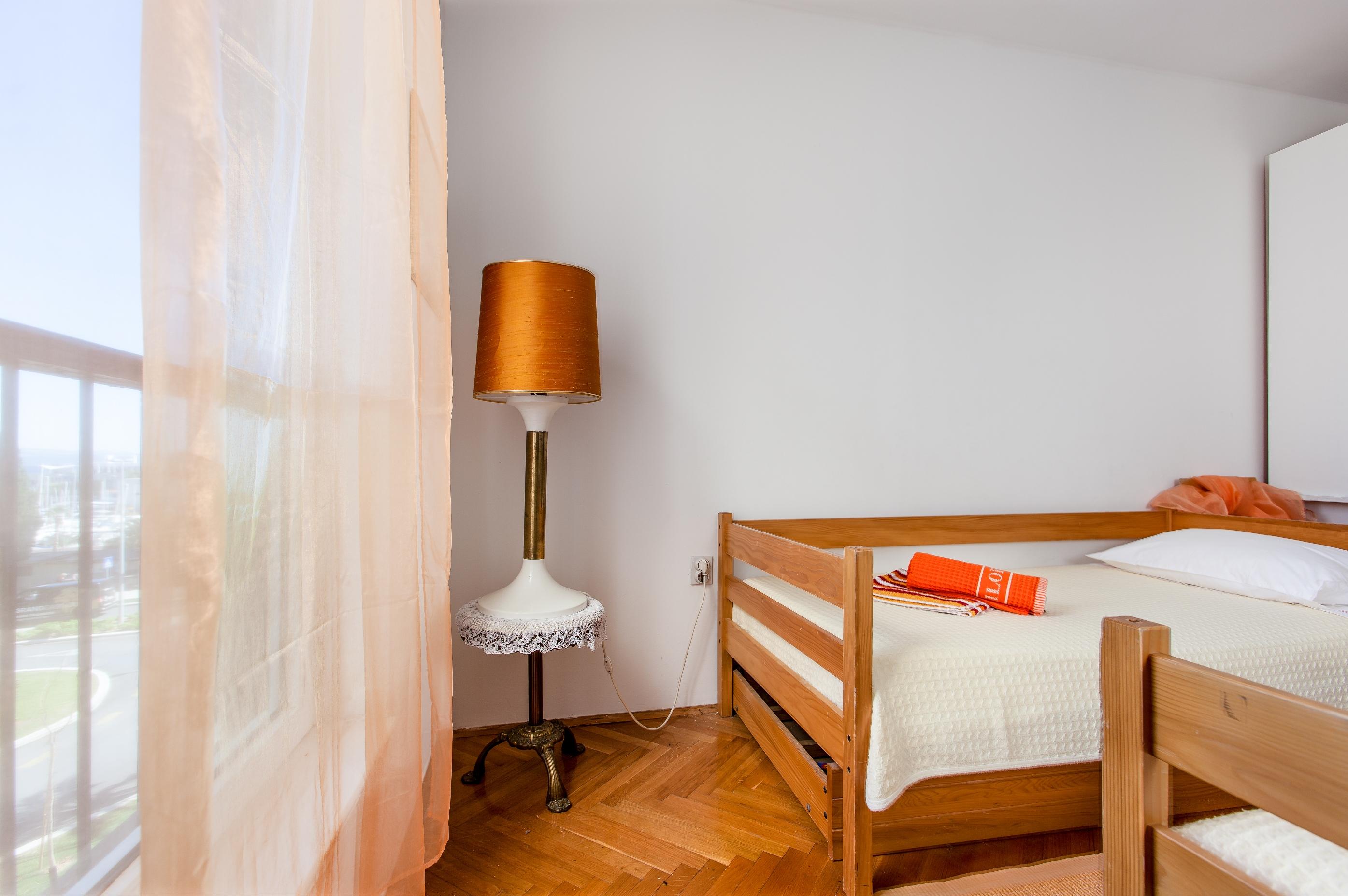 Apartment Split - Etien (22).jpg