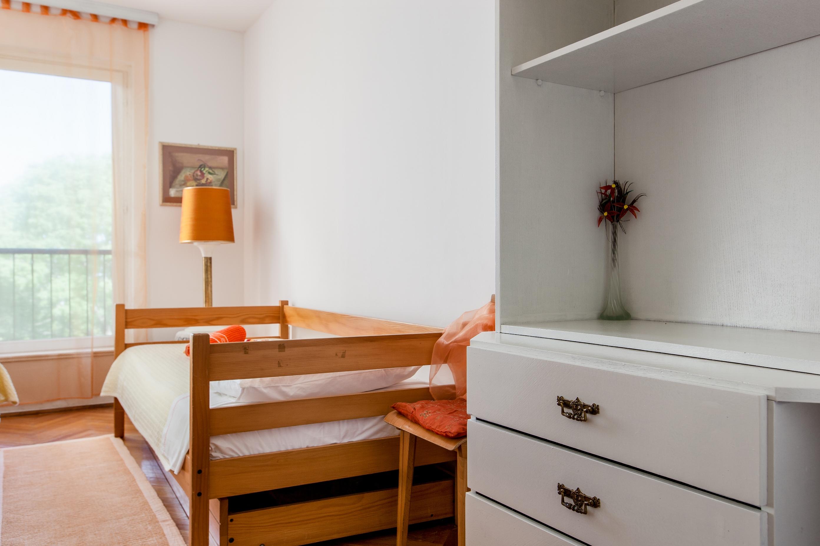 Apartment Split - Etien (21).jpg