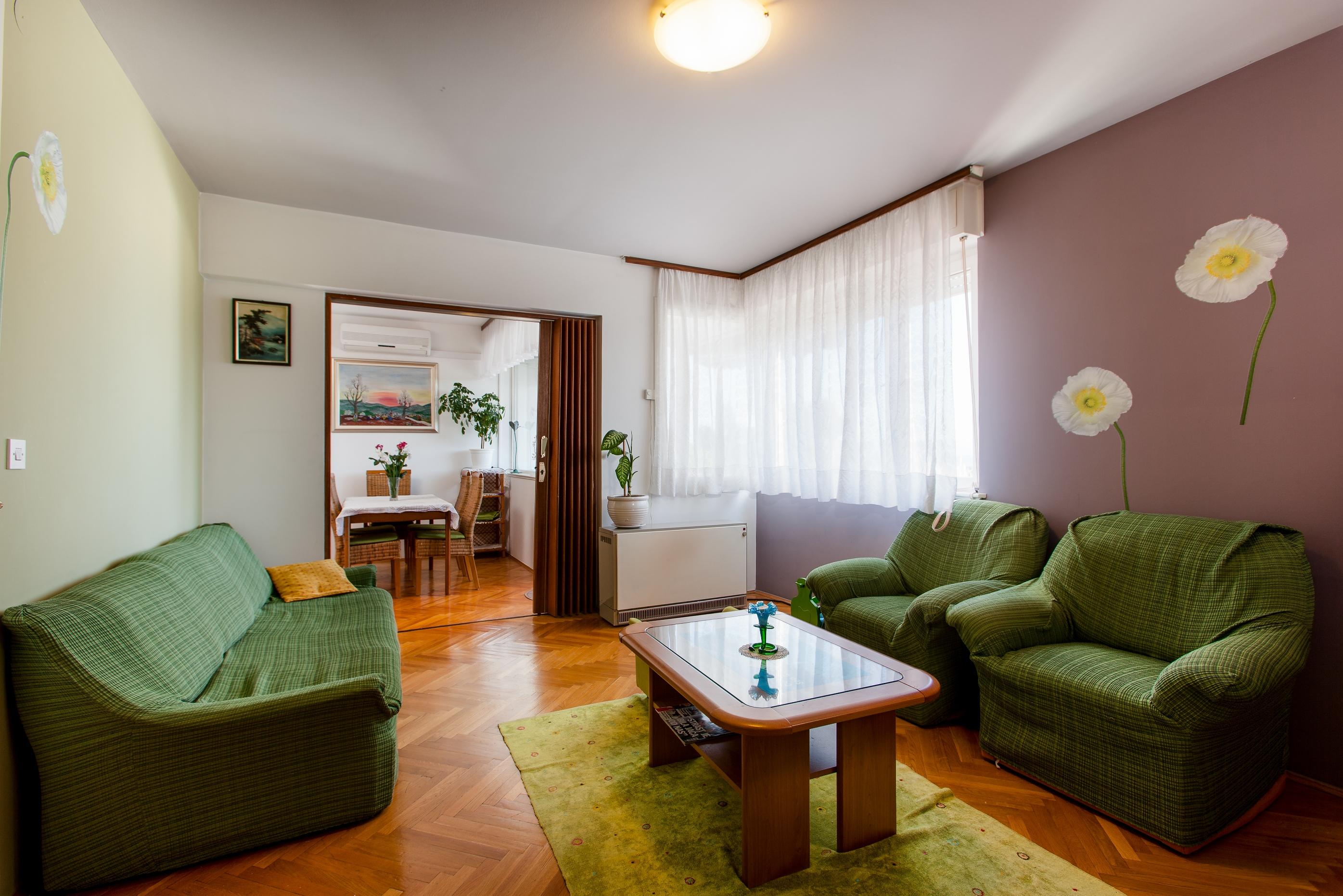 Apartment Split - Etien (6).jpg